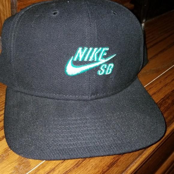 71988813b64 Nike Mens SB Icon Pro Snapback Hat Black